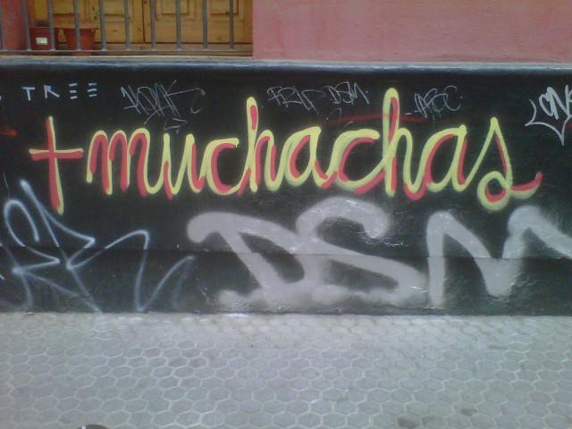 El vandalismo que entristece  los espacios comunes de los sevillanos