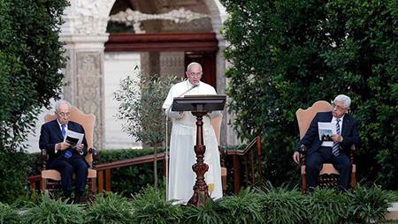Francisco une en oración por la paz a palestinos e israelíes