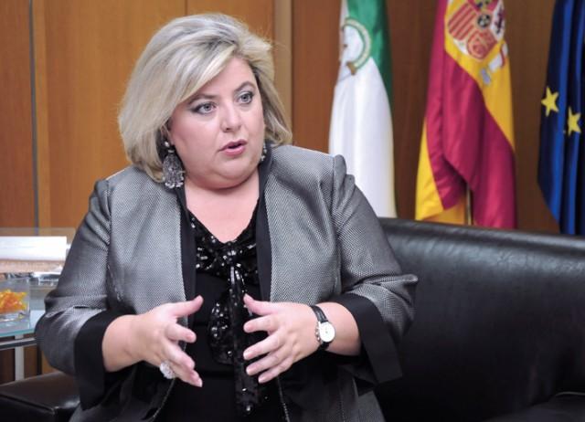 Entrevista a Clara Aguilera, consejera de Agricultura y Pesca