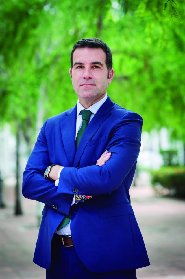Entrevista a Leonardo Bueno,Director Económico-Financiero deCorporación Tecnológica de Andalucía (CTA)
